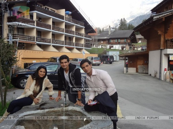 Saath Nibhana Saathiya cast in Switzerland
