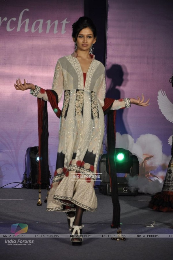 Model walks for Tasneem Merchant at World Cotton Research Conference in Renaissance, Mumbai