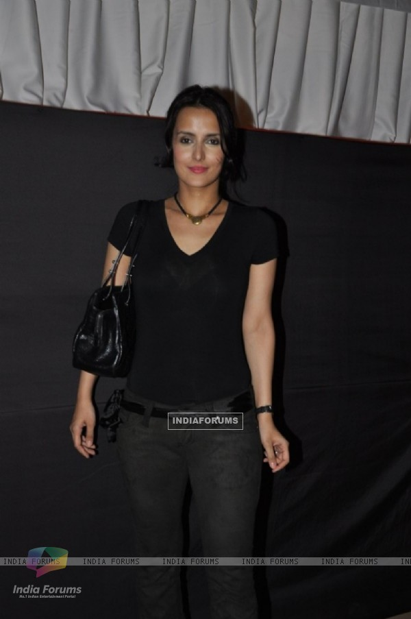 Tulip Joshi judge Ms.Fit & Fab 2011 by Gold's Gym at Hotel Sun N Sand in Juhu, Mumbai