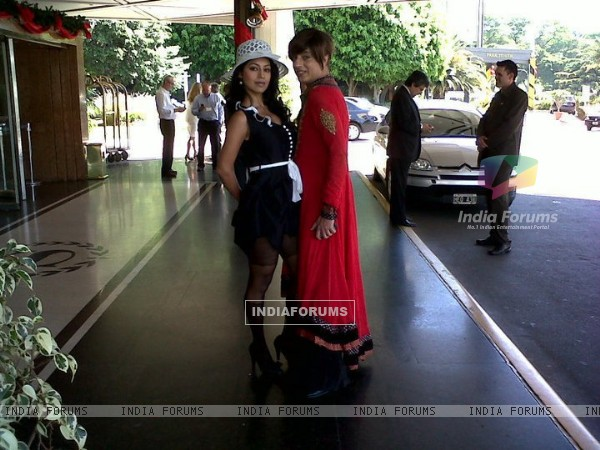 Debina Bonnerjee with Rohit Verma in Zor Ka Jhatka
