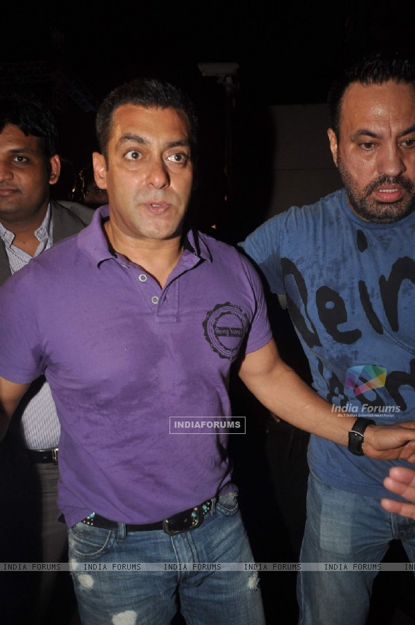 Salman Khan at DY Patil Awards