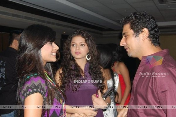 Drashti Dhami on 100 episode party of Geet