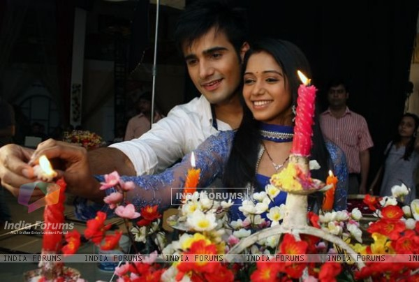 Karan Tacker and Yashashri Masurkar on the set of Rang Badalti Odhani