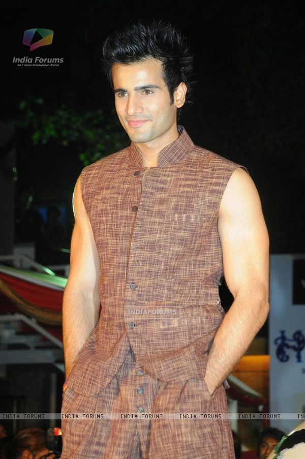 Karan walking the ramp