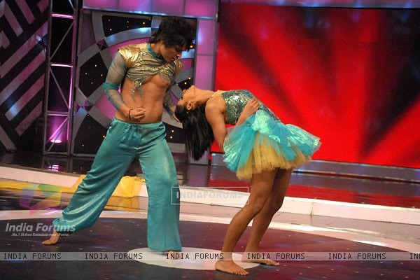 Kunwar Amarjeet Singh with Shakti Mohan in Dance India Dance 2
