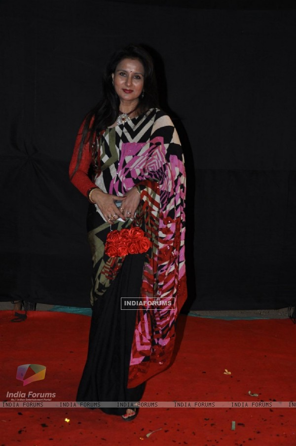 Poonam Dhillon at Red Carpet of Golden Petal Awards By Colors in Filmcity, Mumbai