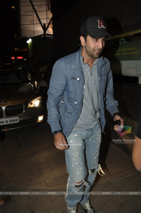 Ranbir Kapoor grace screening of film 'Desi Boyz'