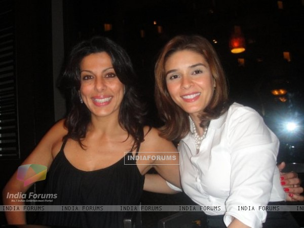 Raageshwari Loomba with friend Pooja Bedi