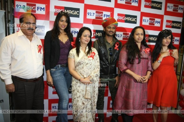 Dr.Raj Harjani, Sameera Reddy, Smita Thackeray, Swaroop Khan, Vaishali and Shibani at 92.7 BIG FM