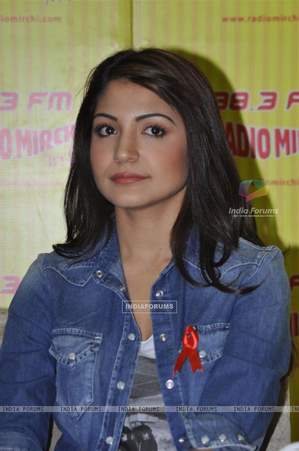 Anushaka Sharma promote her film 'Ladies vs Ricky Bahl' at 98.3 FM Radio Mirchi studio