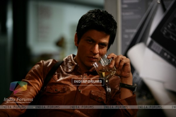 Shah Rukh Khan in the movie Don 2 (172584)