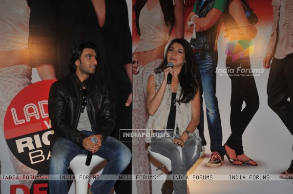 Anushka Sharma and Ranveer Singh grace Ladies V/s Ricky Bahl event at Yashraj, Mumbai (172715)
