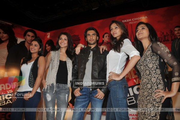 Anushka, Ranveer, Parineeti, Dipannita, and Aditi grace Ladies V/s Ricky Bahl event at Yashraj, Mumb (172726)