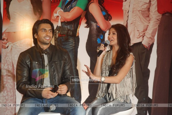 Anushka Sharma and Ranveer Singh grace Ladies V/s Ricky Bahl event at Yashraj, Mumbai (172826)