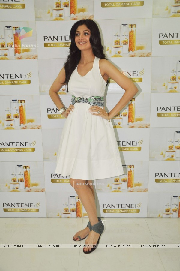 Shilpa Shetty at Pantene Shampoo event in Iosis, Mumbai