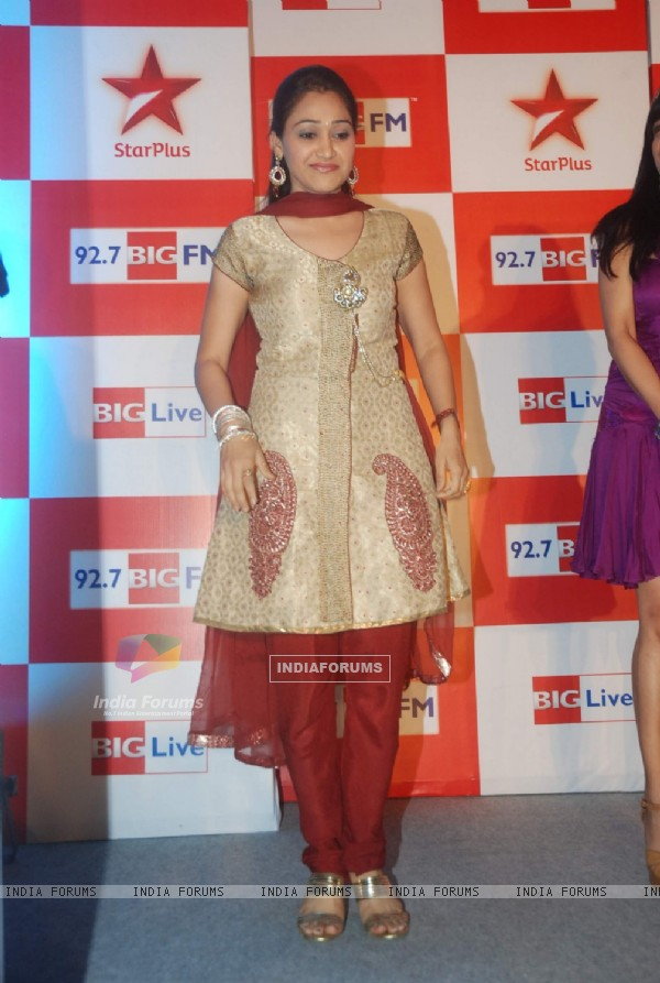Disha Wakani at BIG Star Entertainment Awards 2011
