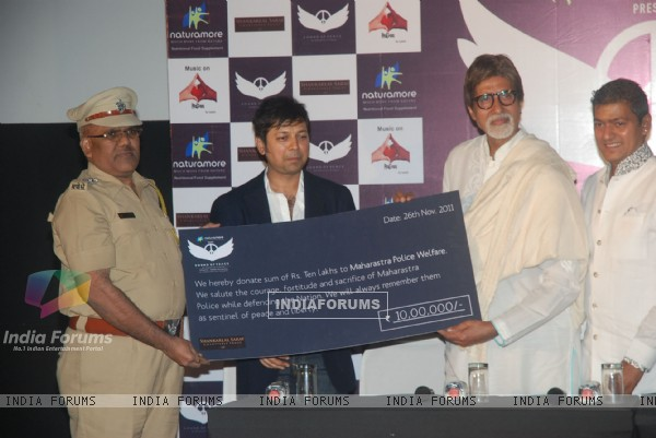 "Amitabh Bachchan launches Aadesh Shrivastav's album based on 26/11 ""Sounds of Peace"" at Cinemax"