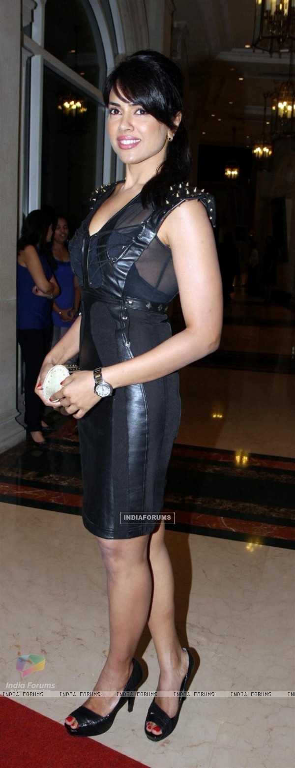Sameera Reddy grace the Top Gear awards at ITC Parel