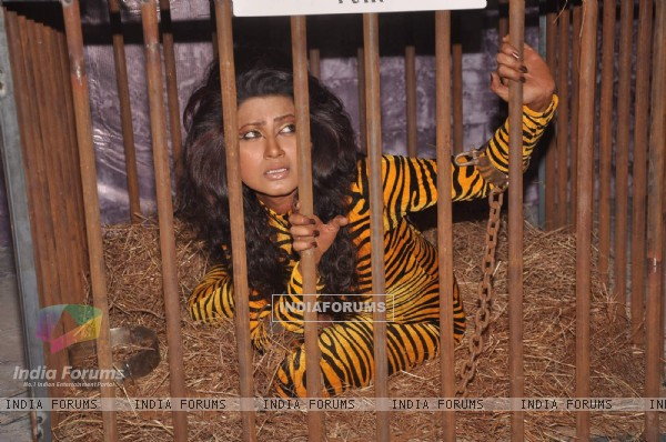 PETA - Negar Khan in protest of Zoos at Mehboob