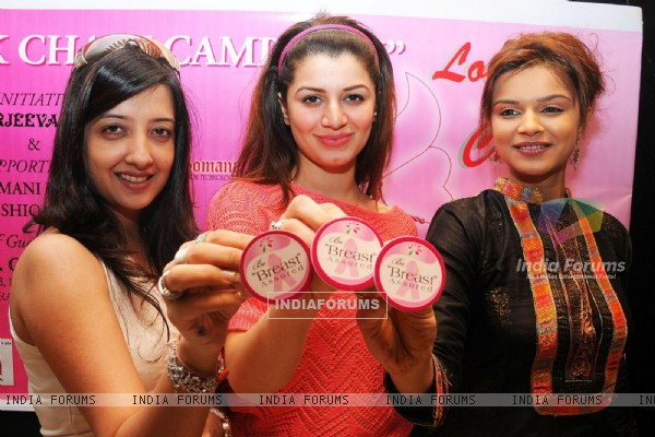 Designer Amy Billimoria supporting Pink Ribbon Campaign with Aashka Goradia and Kainath Arora