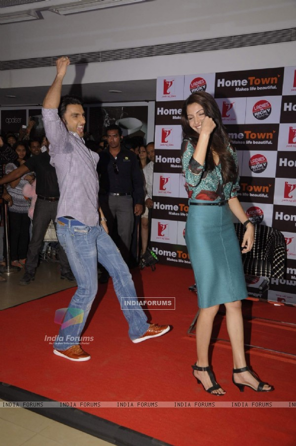 Ranveer and Anushka promote Ladies v/s Ricky Bahl at Home Town store in Vikhroli, Mumbai