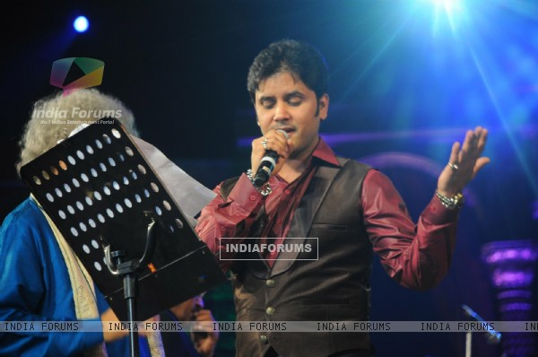 Javed Ali Performing at Music Heals Concert held at Andheri Sports Complex in Mumbai