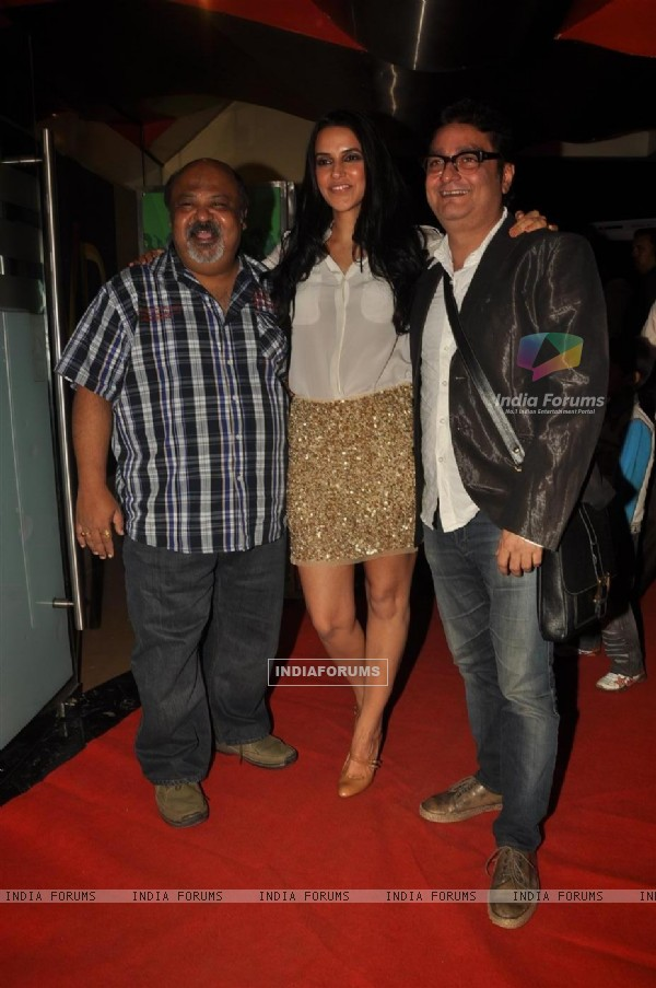 Saurabh Shukla with Vinay Pathak and Neha Dhupia at Premiere of film 'Pappu Can't Dance Saala'