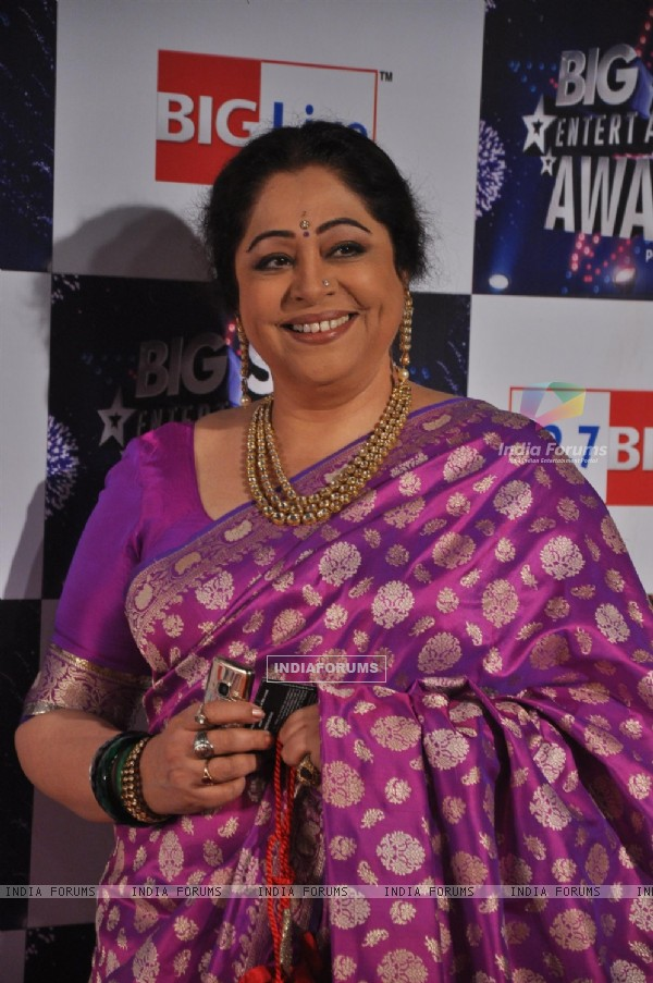 Kirron Kher at Big Star Entertainment Awards at Bhavans Ground in Andheri, Mumbai