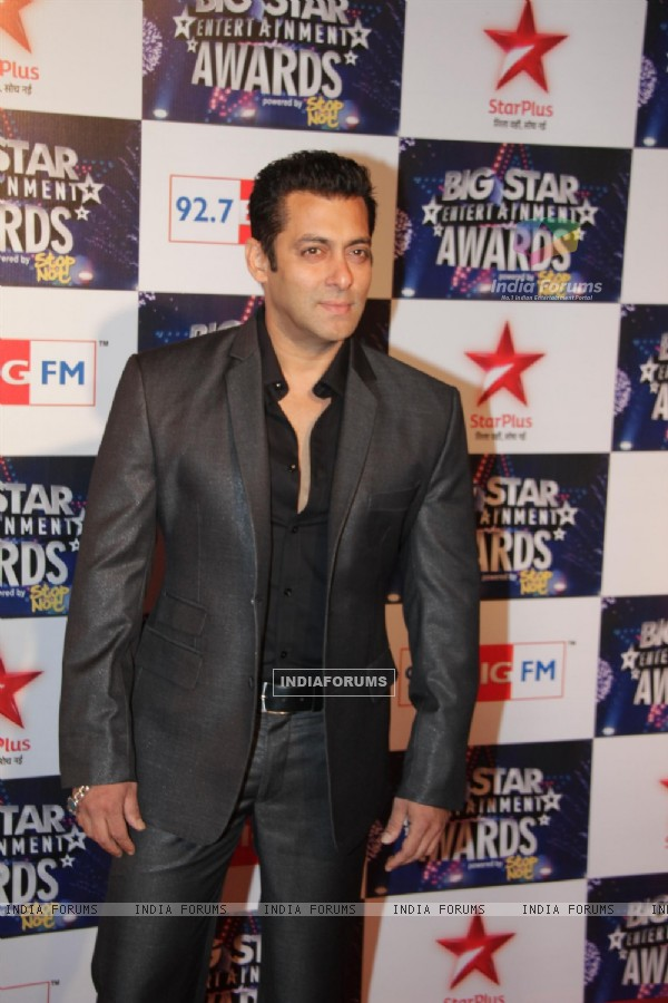 Salman Khan at Big Star Entertainment Awards at Bhavans Ground in Andheri, Mumbai