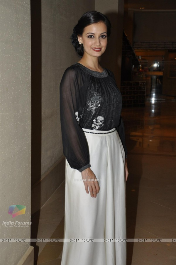Dia Mirza at Art Exhibition at hotel JW Marriott in Mumbai