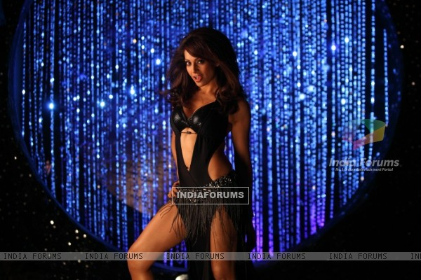 Bipasha in Players (175802)
