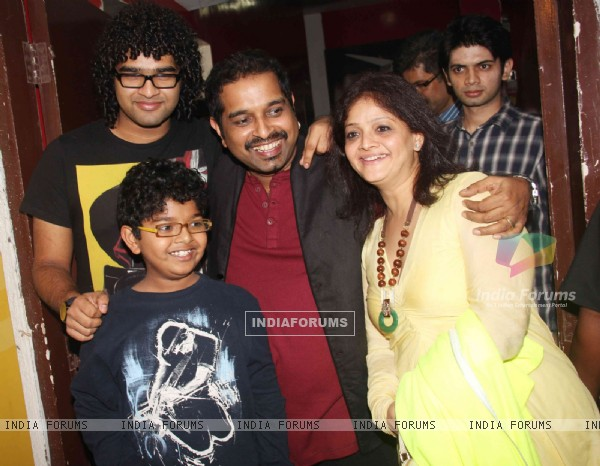 Shankar Mahadevan with family at Don 2 special screening at PVR