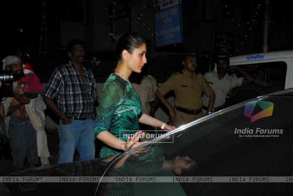 Kareena Kapoor at Midnight Mass in Mumbai