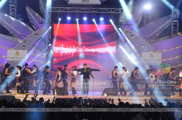 Ranveer Singh performing at Aamby Valley City for New Year's Eve event at Hotel Sahara Star in Lonav