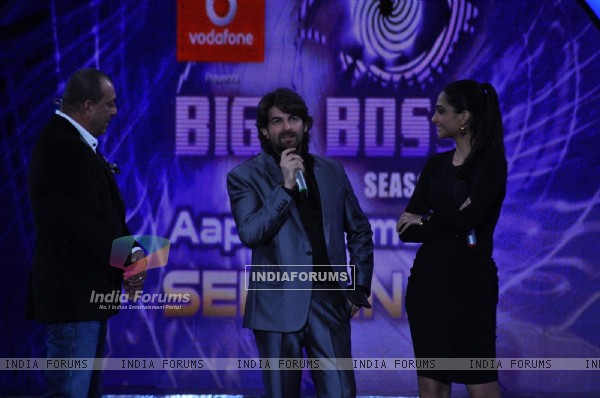 Sonam Kapoor, Neil Nitin Mukesh and Sanjay Dutt on the sets of Bigg Boss Season 5