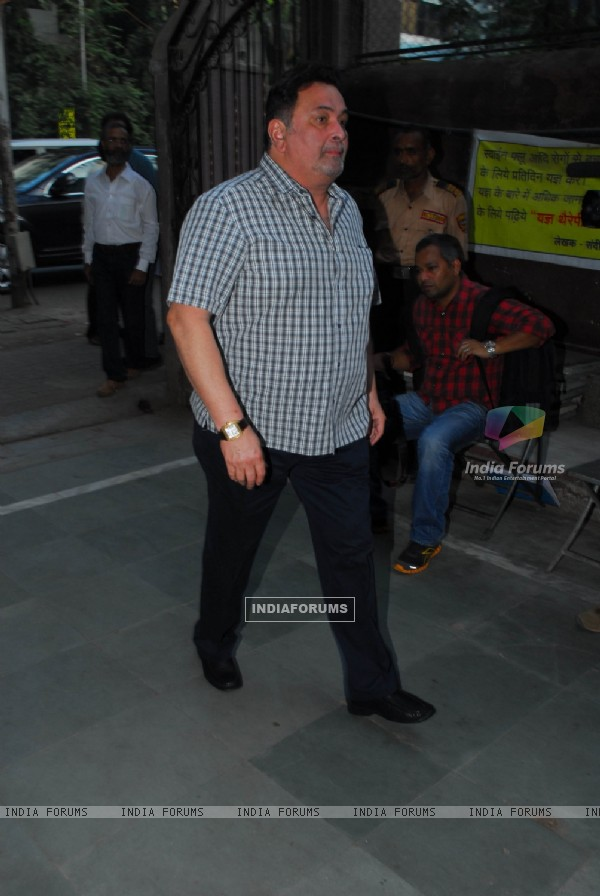 Rishi Kapoor at Sunil and Dharmesh Darshan's dad's prayer meet