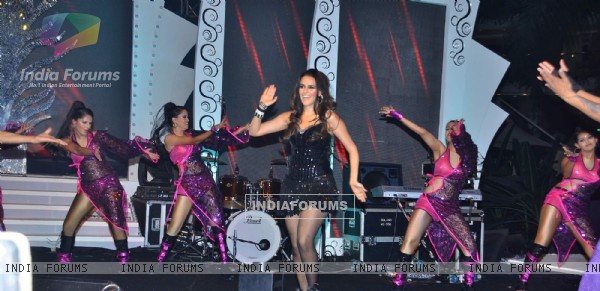 "Neha Dhupia grace New Year's bash ""Seduction"" at Sahara Star"