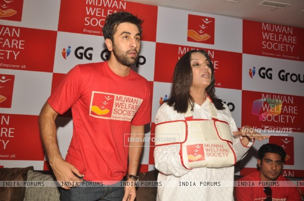 Ranbir and Shabana at Mijwan Welfare Society press conference