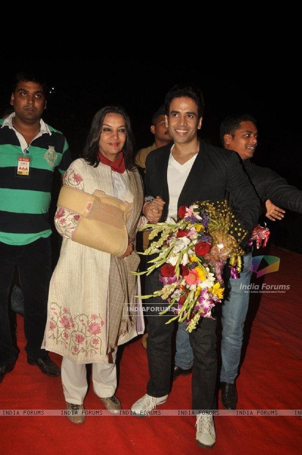 Shabana Azmi and Tusshar Kapoor at Police event Umang-2012