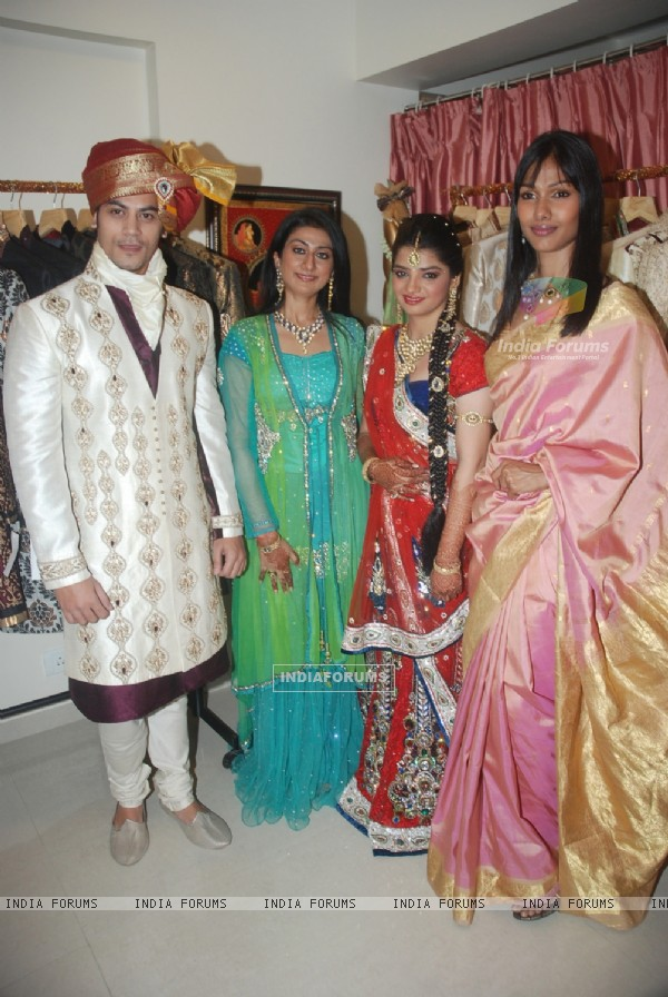 Nethra and Smita Bansal launch Jinal Kenia's wedding shop YUME at Juhu