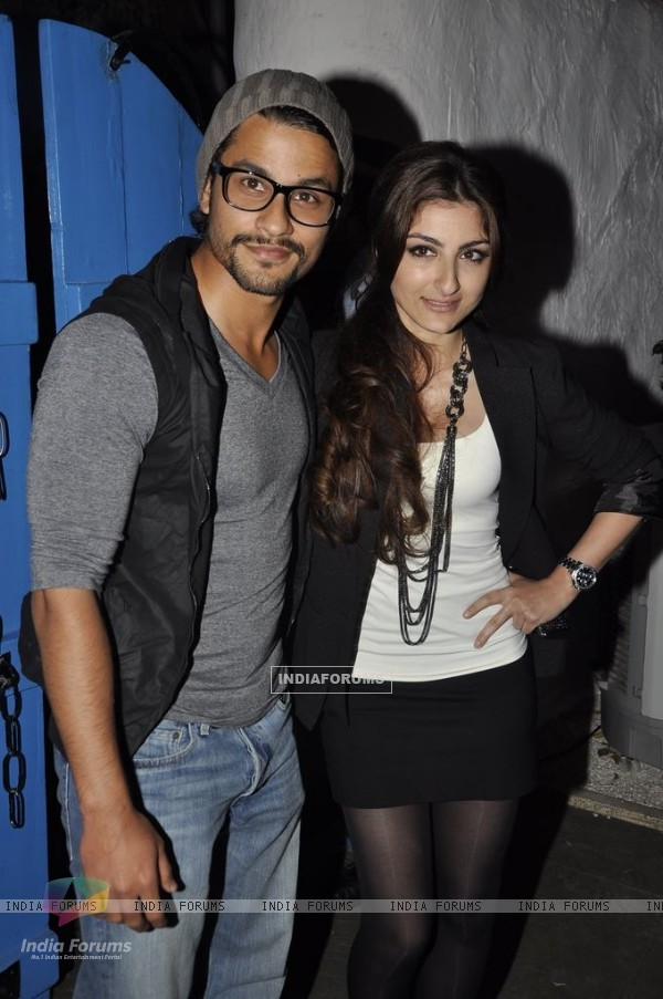 Kunal Khemu with Soha Ali Khan grace Dabboo Ratnani Calendar launch