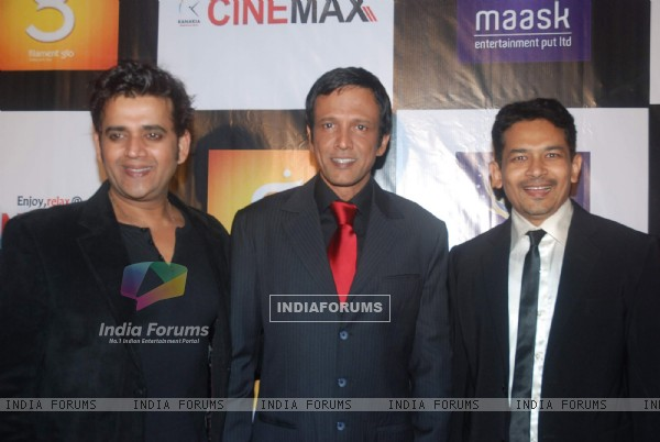 "Kay Kay Menon, Atul Kulkarni, Ravi Kissen at the premiere of film ""Chaalis Chaurasi"" in Cinemax, Mum"