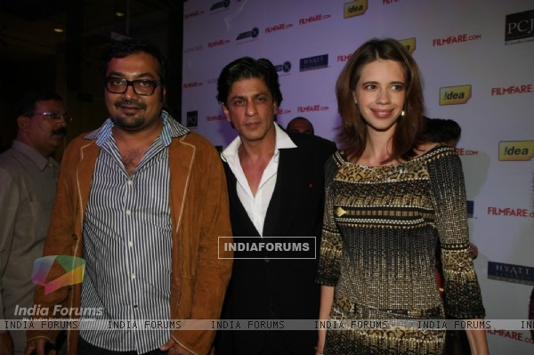 Shah Rukh with Anurag and Kalki at 57th Filmfare Awards 2011 Nominations Party at Hotel Hyatt Regenc