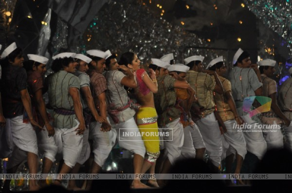 Katrina Kaif Chikni Chameli act in 18th Annual Colors Screen Awards at MMRDA Grounds in Mumbai