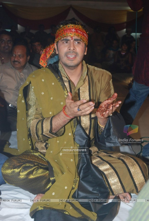 Kaishav Arora at Deepshikha's Mata Ki Chowki at Blue Waters