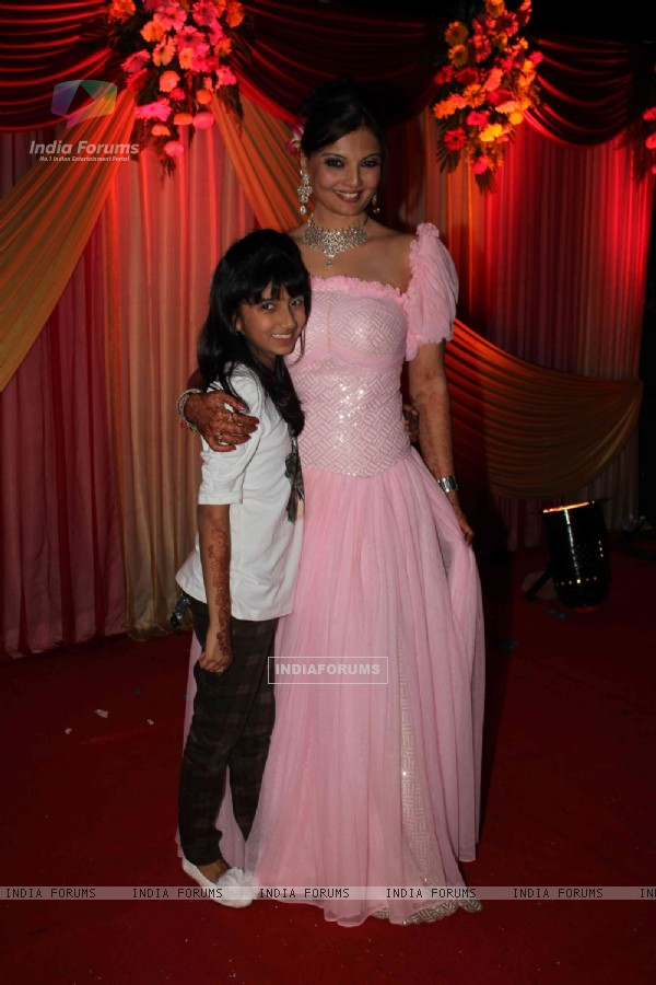 Deepshikha Nagpal with daughter in her sangeet ceremony in Mumbai