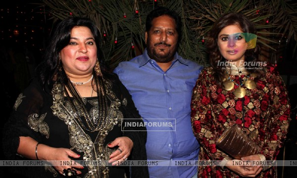 Dolly Bindra, Rt Chawla and Ameeta Nangia grace Deepshikha Nagpal and Kaishav Arora sangeet ceremony