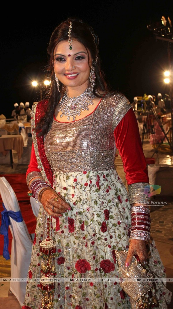 Deepshikha Nagpal wedding reception in Mumbai