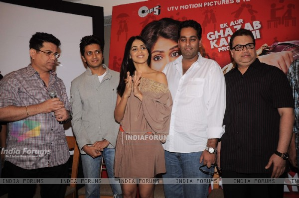 Genelia, Ritesh and crew at Music launch of movie 'Tere Naal Love Ho Gaya' (180194)