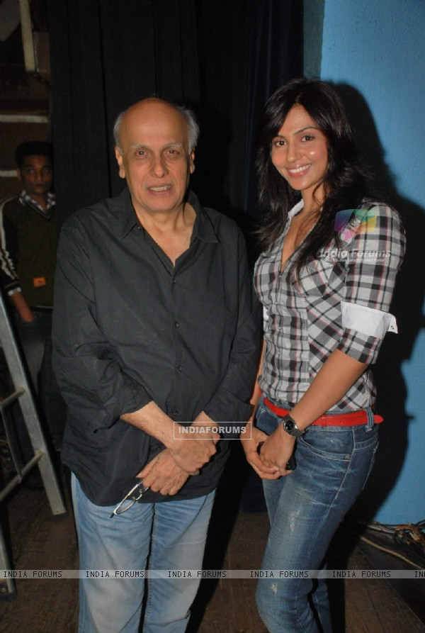 Mahesh Bhatt at The Salute play, at Tejapal Hall